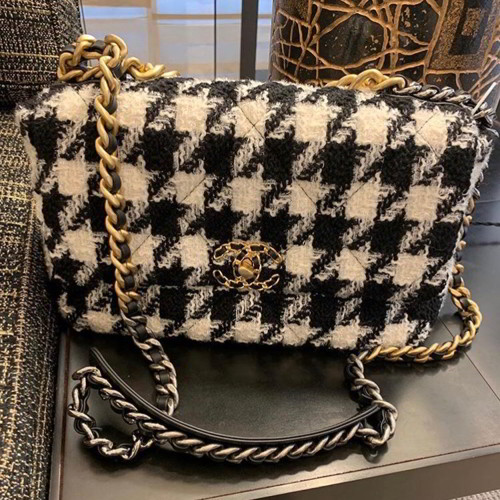 Chanel Large Chanel 19