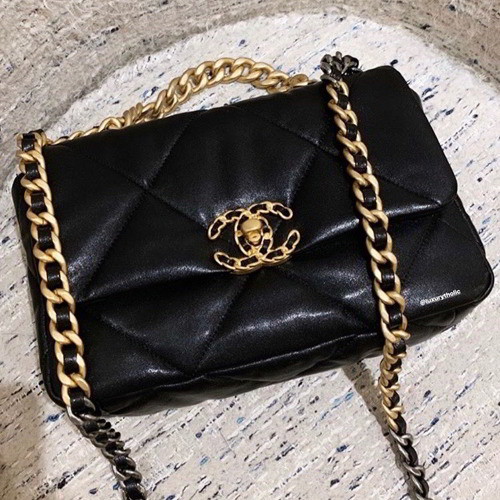 Chanel Small Flap Bag Chanel 19